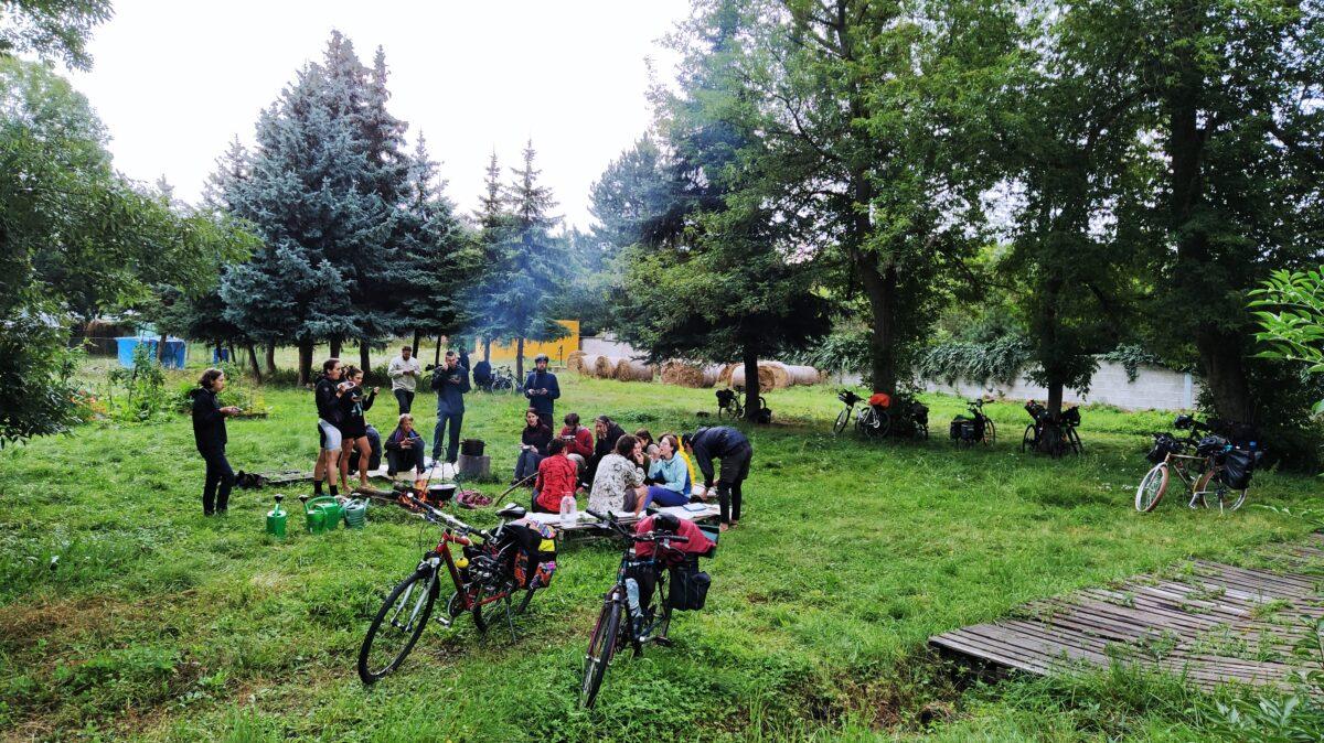 Návštěva ekologických aktivistů na komunitní zahradě